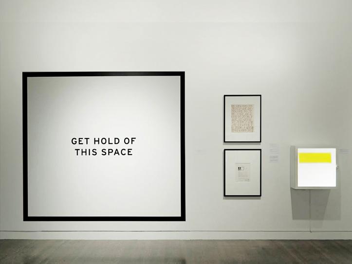 Impression grand format de lettrage d'exposition
